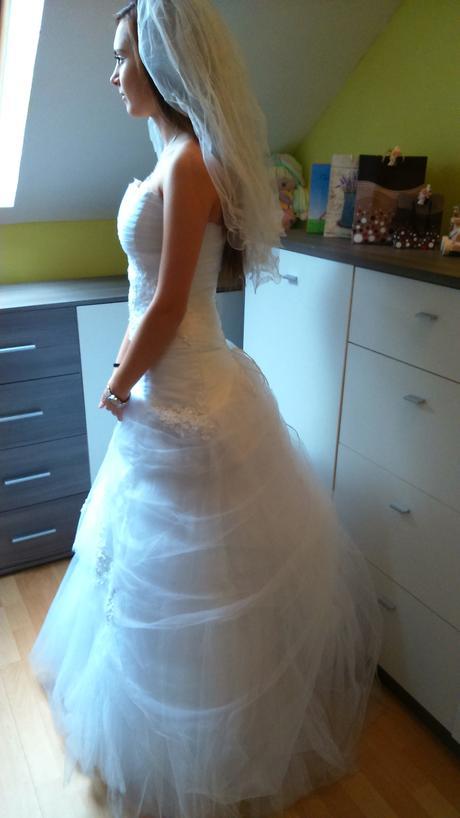 svadobné šaty, 36
