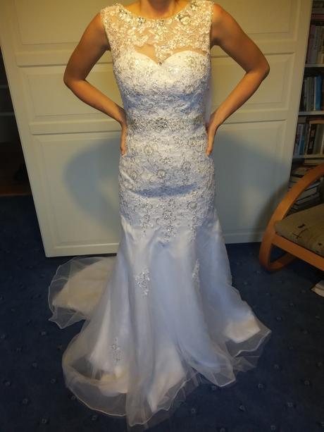 Svatební šaty nepoužité, 32