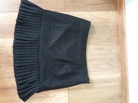 Elegantní černá sukně, 40