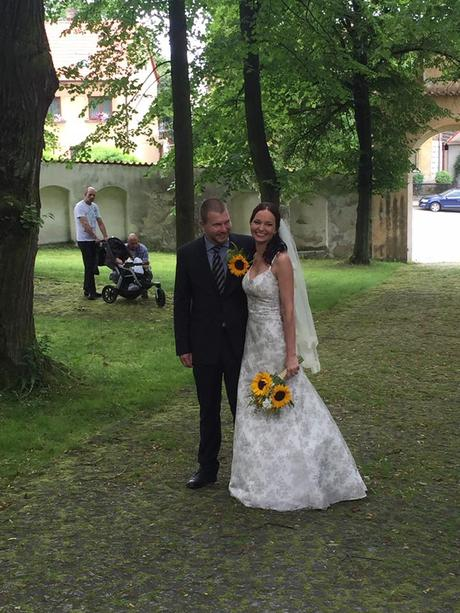 Svatební šaty s krajkou, 36