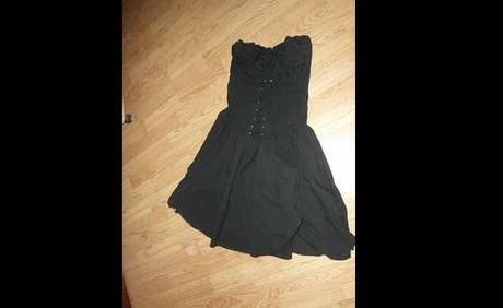 Gotické šaty, 36
