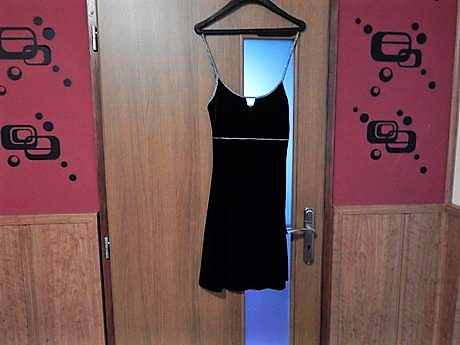 zamatové šaty, 164