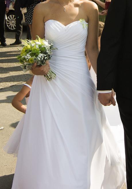 Elegantní svatební šaty, 38
