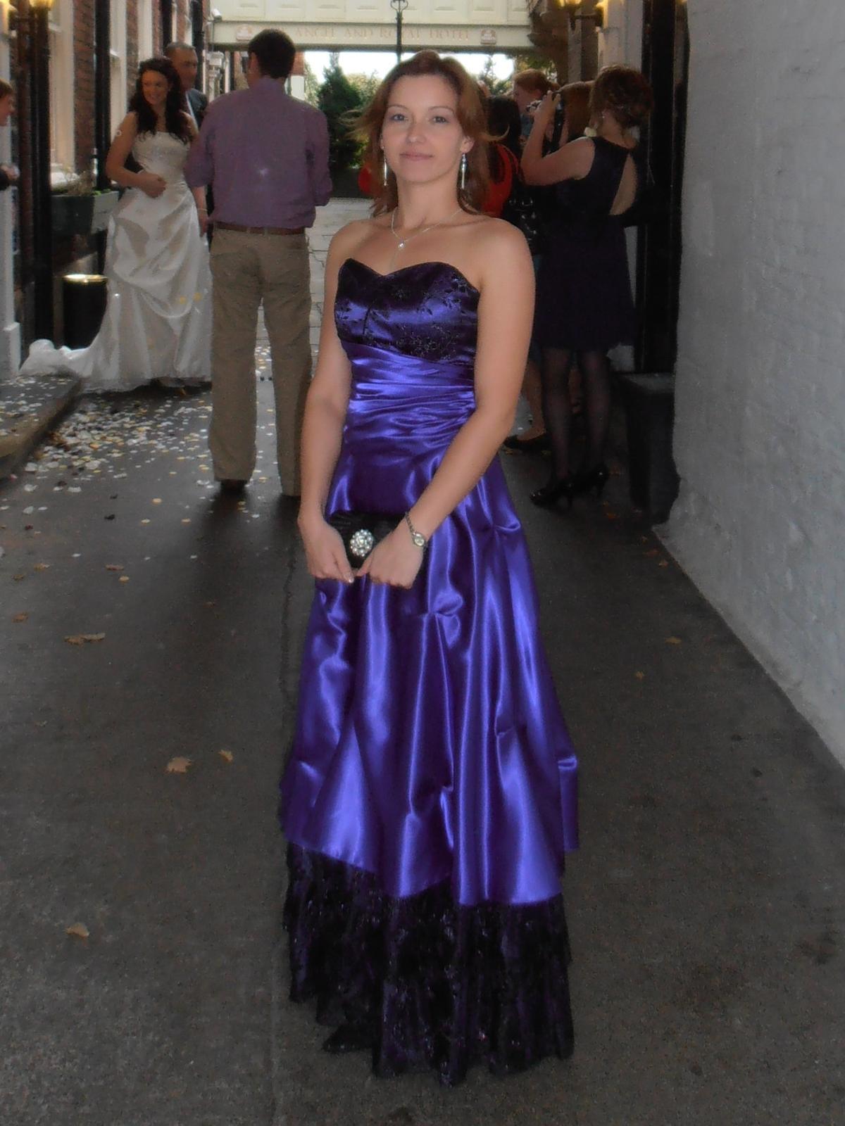 Dvojdielne spoločenské šaty 4ff64ceee77