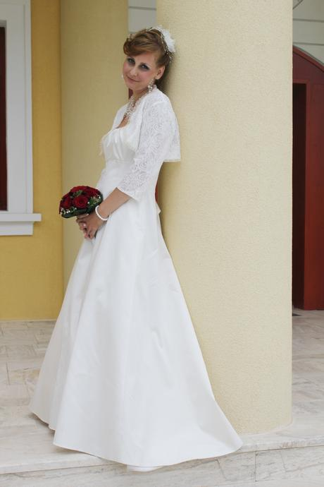 Elegantne svadobne saty s jemnou vleckou, 40