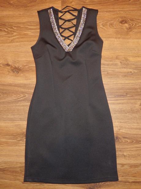 šaty, S