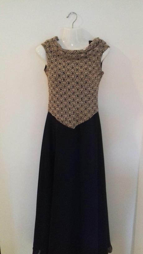 Spoločenské šaty + zlatá kravata zdarma, 38