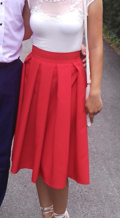 Červená sukňa , S