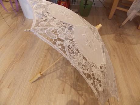 Košíky pro družičky a deštníky,