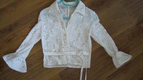 Biela blúzka, kabátik, 146