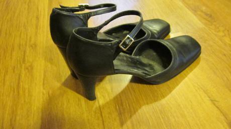 Čierne sandálky, 40
