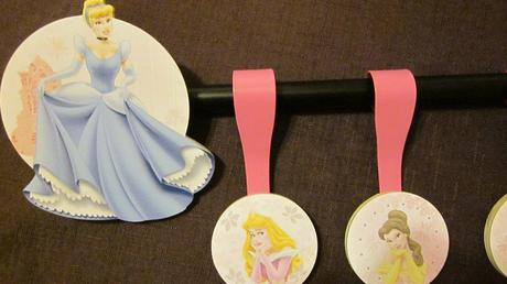 Koncovky a štipce na garniž Princezné ,