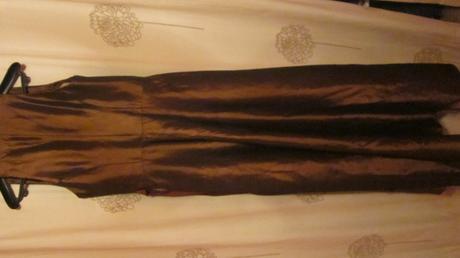 Tmavohnedo šaty s bordovou mašľou, 38