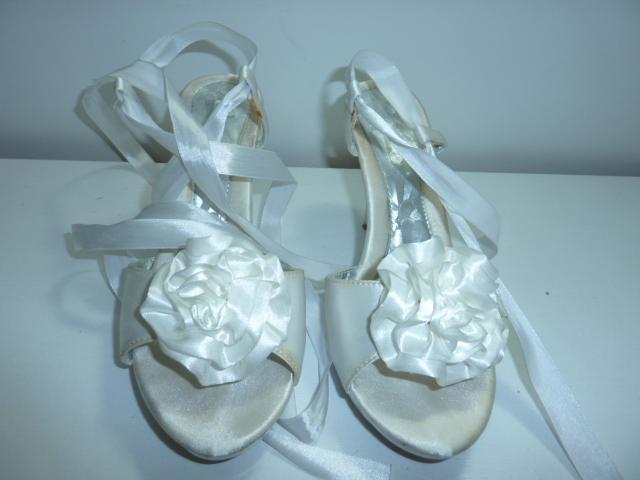 c498aff572 Sandále