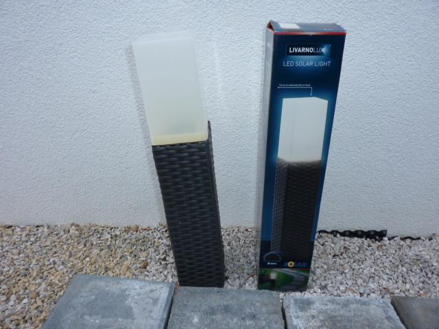 24669016308e Solárne záhradné svietidlo