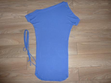 Amnesia šaty, 38