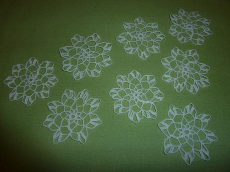 Háčkované kvety,