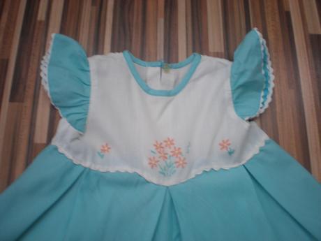 Tyrkysové letné šaty, 80