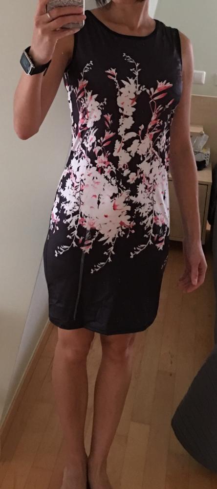 společenské šaty s bílými květy, M