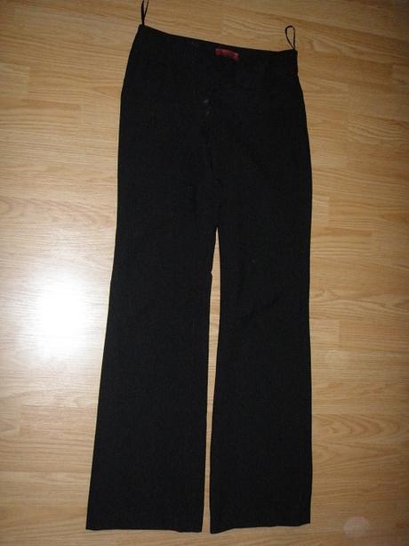 Čierne nohavice, 36