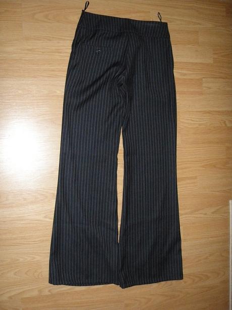 Pásikové spoločenské nohavice, 36