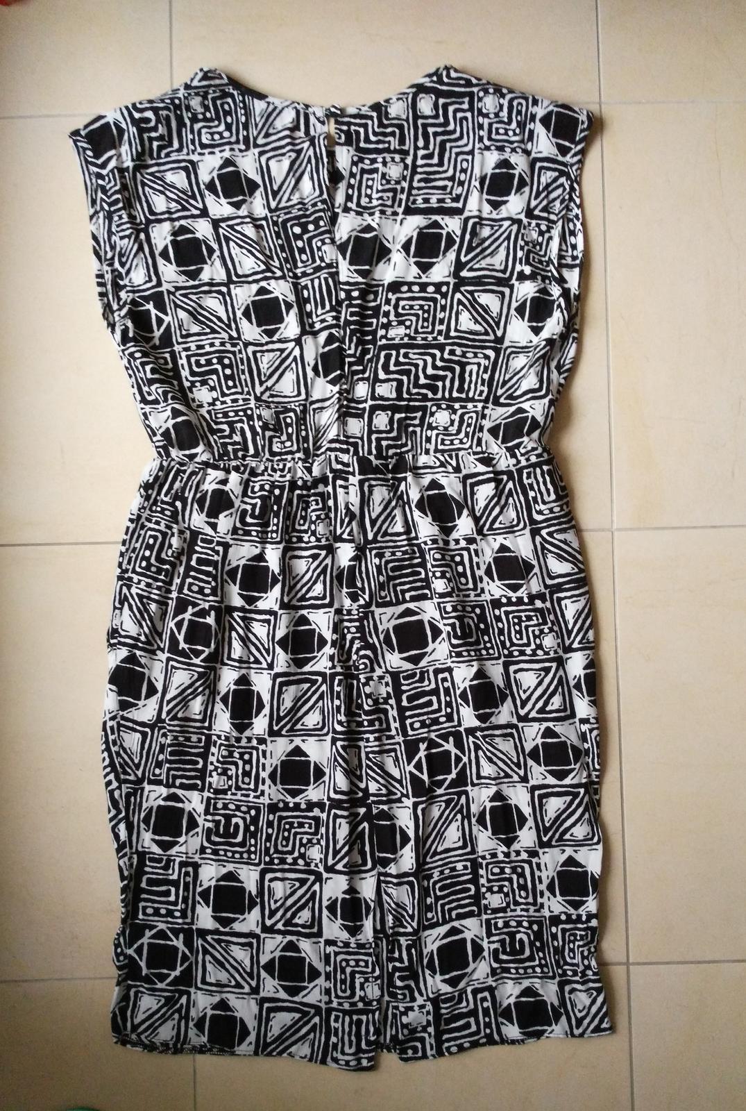 ed475121c37a Čiernobiele šaty 38 m