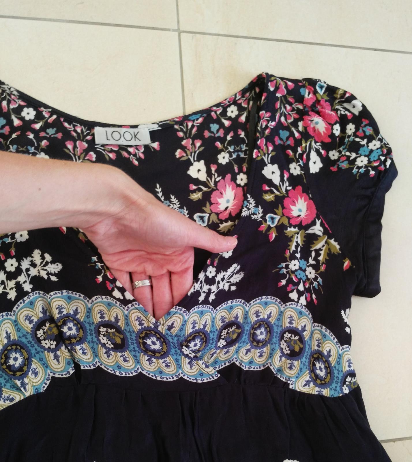 0b1da71360f1 Kvetované šaty 38 m