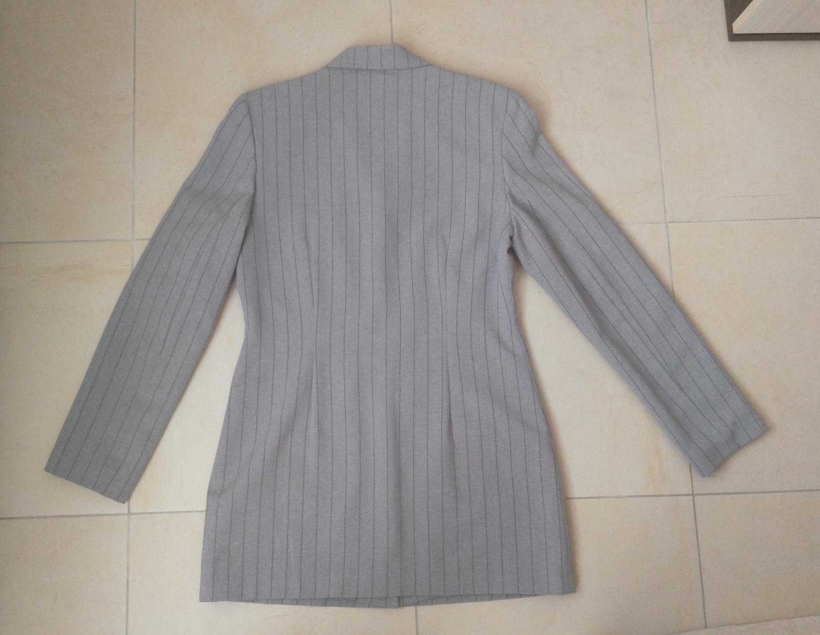 e4c19bb41544 Šedý kostým sako + nohavice 38 m
