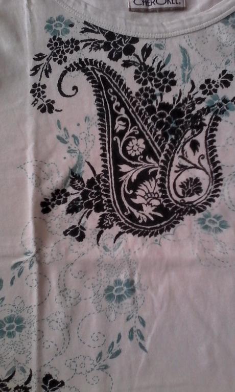 bielomodré tričko s ornamentmi č.36-38, 36