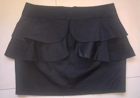 čierna elegantná sukňa s volánmi č. 40, 40