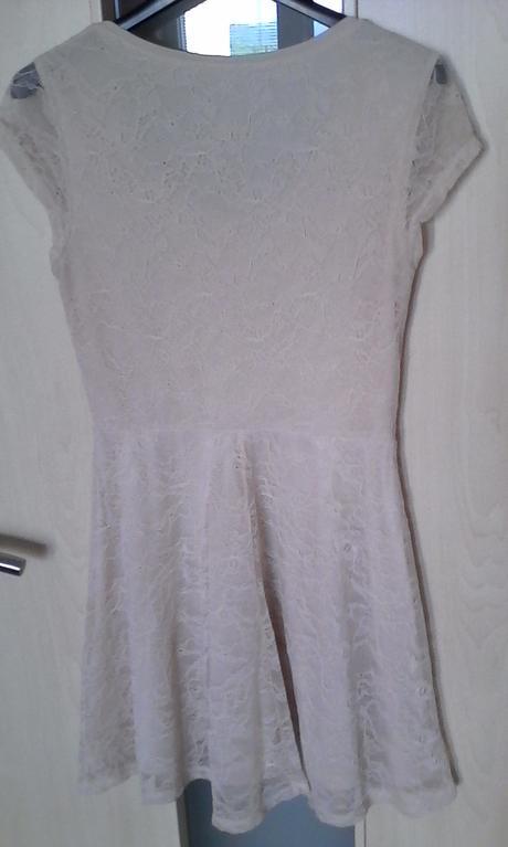 Čipkované krémové šaty č. 36, 36