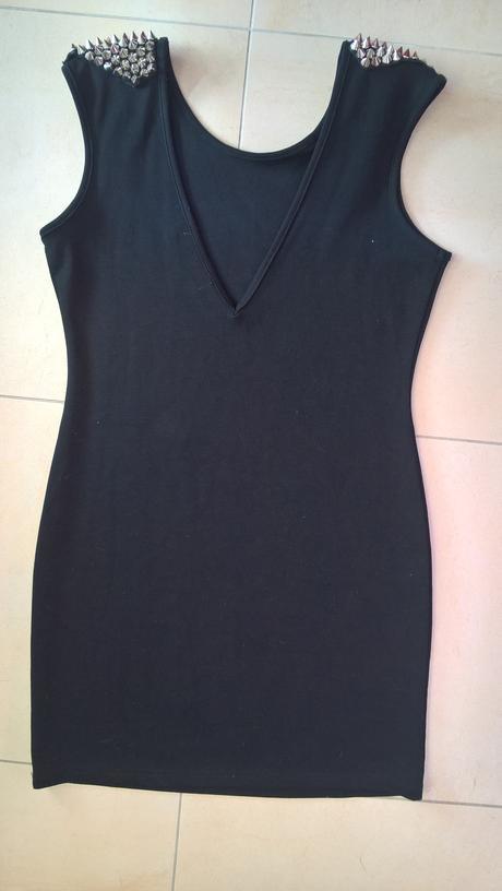 elastické sexi čierne šaty s hrotmi č. 38 - 40 , 38