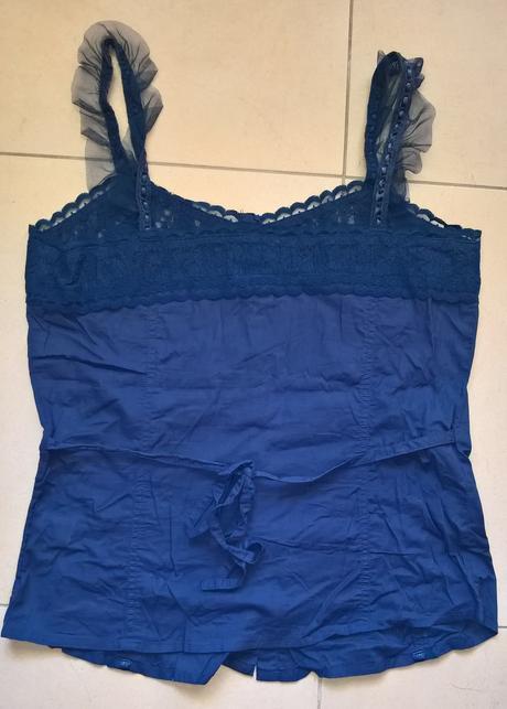 modrý elegantný top s čipkou č. 38 - 40, 38