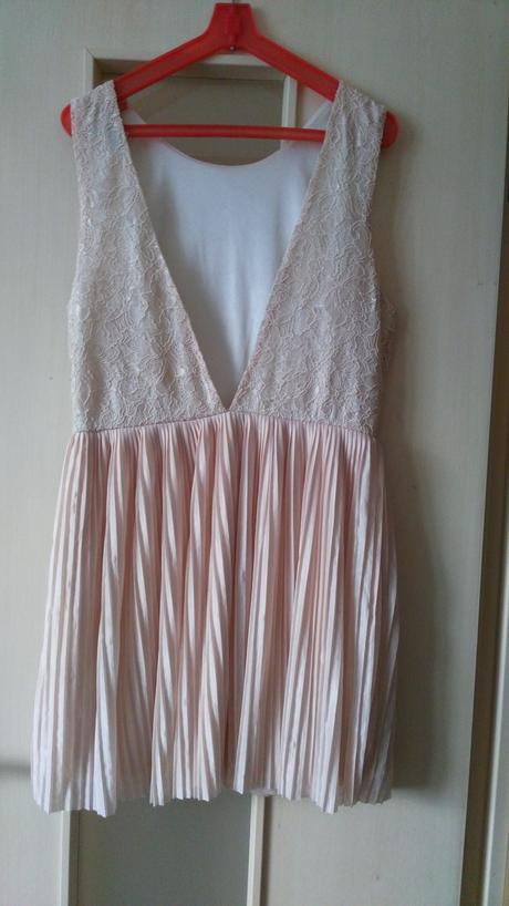 Plisované šaty s čipkou 40/L, 40