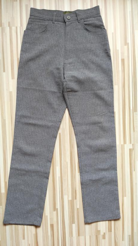 Šedé elegantné nohavice s pásikmi 36/S, 36