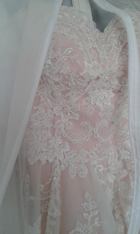 Trendy svatební šaty , 40