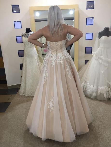 Trendy svatební šaty-při rychlém jednání sleva , 38