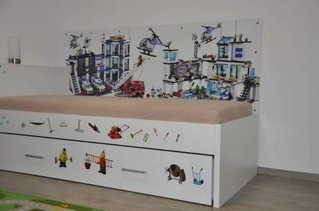 Zástena za posteľ - lego,