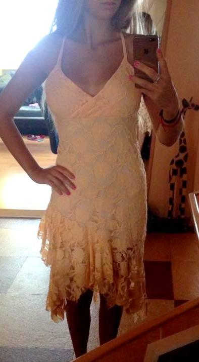spoločenské čipkované šaty, 36