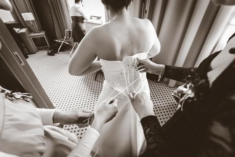 Zdobené svatební šaty bílé,vlečka,vel. 40-46, 42