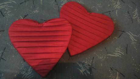 bordové srdcia na stenu,