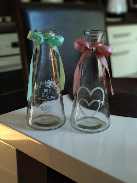 10 kusov váz,