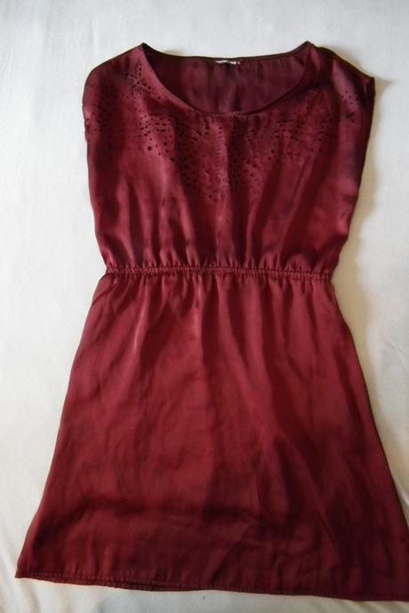 vínové společenské šaty, 40