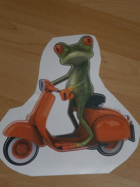 Nálepka žabka na motorke,