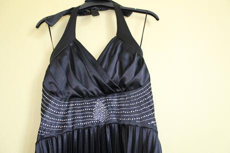 Čierne šaty , 36
