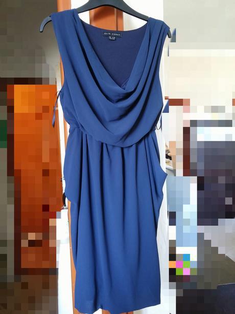 Modré šaty, 38