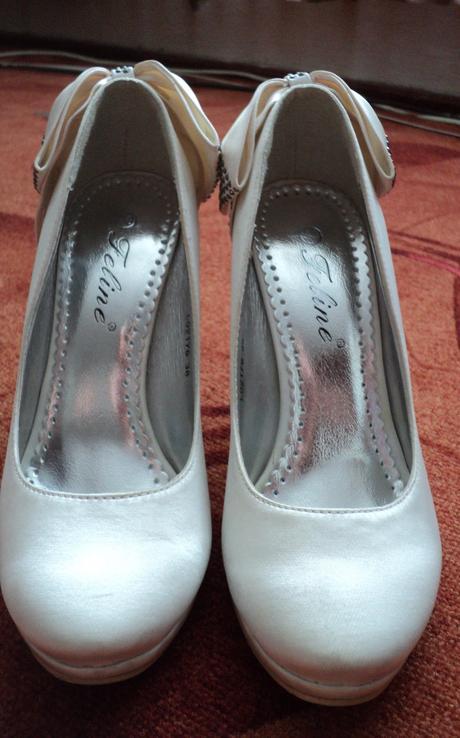 Biele topánky s mašličkou, 38