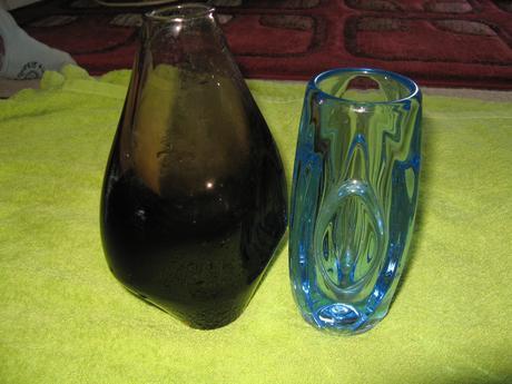 2x vaza-hrube sklo,