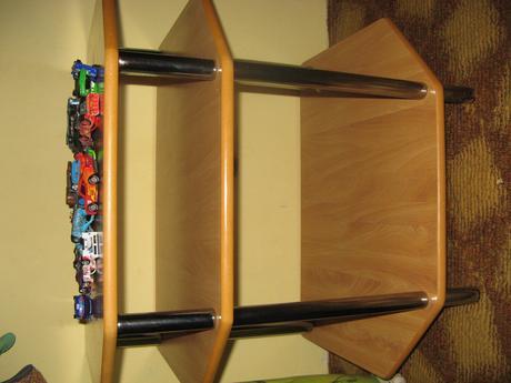 stolik pod TV,