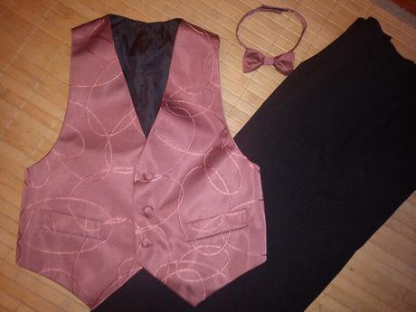 Set nohavice+vesta+motýlik, 122